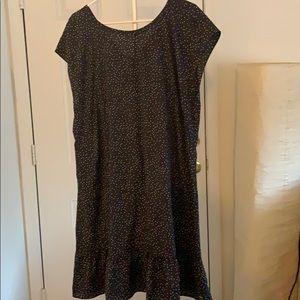 Short sleeve light weight dress